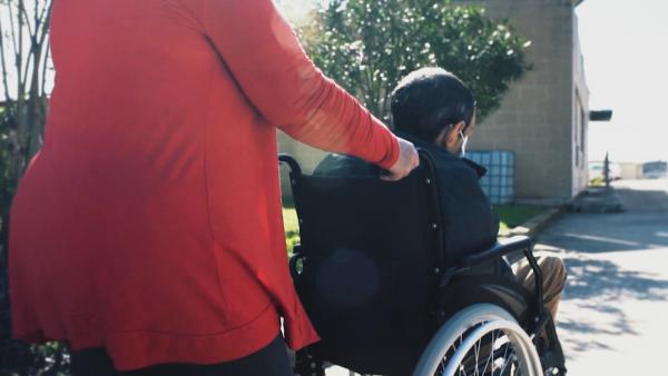 """Утре вечер в """"Европейци"""": Как хората с увреждания в Малта могат да шофират сами"""